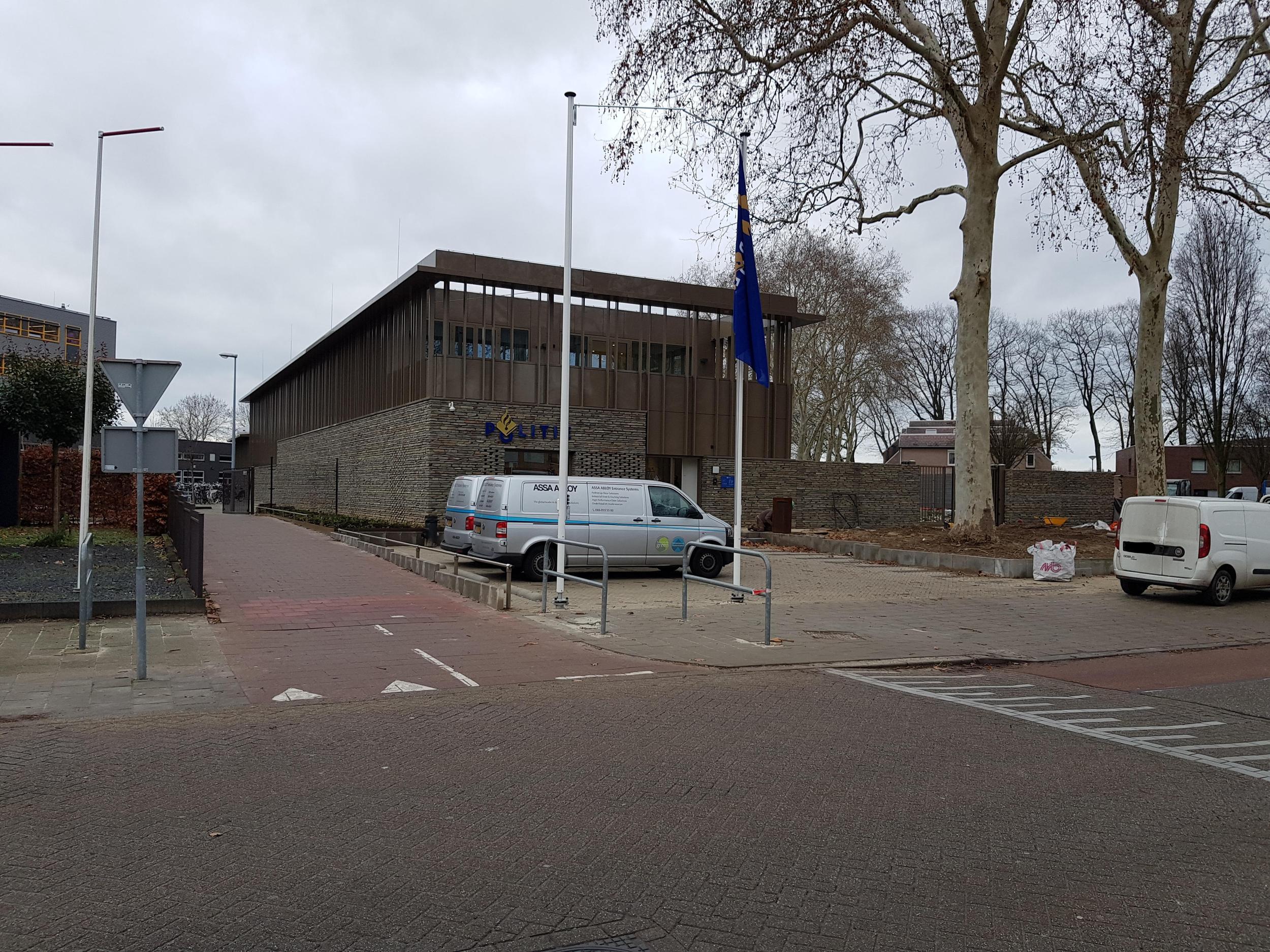 Zijaanzicht nieuwbouw politiebureau te Venray